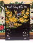 Tranh đốc lịch vẽ sơn mài , Mai vàng uyên ương – 4001