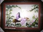 Tranh thêu tay-thiếu nữ ngồi dưới trăng-t028
