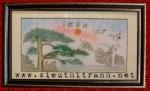 Tranh thêu-Tùng nghênh khách-t081