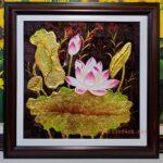 Tranh sơn mài, Hoa Sen vàng – SM040