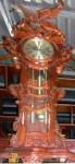 Đồng hồ chạm đại bàng
