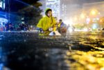 Mùa mưa xem ảnh Mưa đoạt giải Street Photography